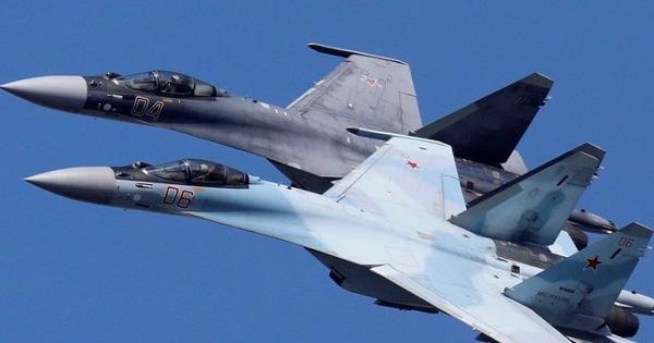 """Bán vũ khí giỏi như ông Putin: Mỹ rời đi ở đâu, Nga """"vợt khách"""" ở đó?"""