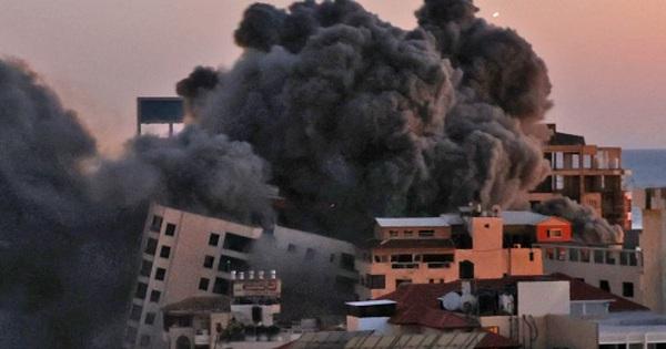 Ảnh: Khung cảnh hoang tàn sau hàng loạt cuộc không kích trả đũa của Israel ở dải Gaza
