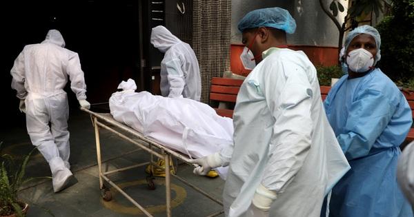 Bệnh nhân Covid-19 Ấn Độ bất ngờ tỉnh dậy ngay trước khi được hỏa táng