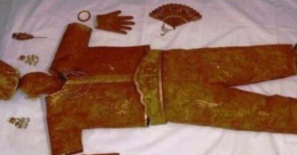 Trộm mộ 'khoắng sạch' kho báu trong lăng thái hậu Tiêu Xước nhưng không thèm lấy bộ vải liệm: Chuyên gia định giá 3,4 tỷ NDT
