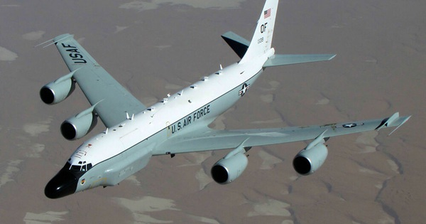 Máy bay trinh sát Mỹ biến mất bí ẩn ngoài khơi Crimea