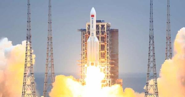Tên lửa Trung Quốc lao với tốc độ