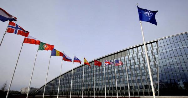 """NATO sẽ thay đổi khái niệm chiến lược, không còn coi Nga là """"đối tác xây dựng"""""""