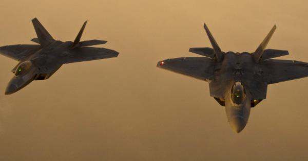 NÓNG: Tiêm kích F-22 Mỹ ở Hawaii xuất kích khẩn cấp: Bất thường chưa từng thấy!