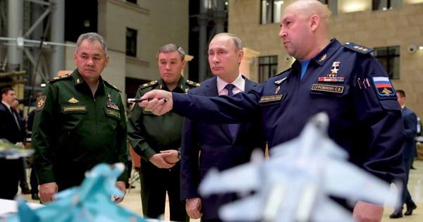 Trước cuộc gặp thượng đỉnh, TT Putin quyết định dằn mặt Mỹ: Sẵn sàng