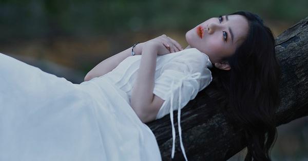 Phùng Khánh Linh ngâm mình dưới suối lạnh suốt 4 tiếng để diễn xuất - mega 645