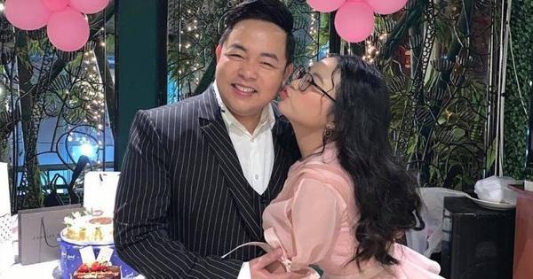 Hình ảnh chứng minh tình cảm Phương Mỹ Chi và ba nuôi Quang Lê là chân thật nhờ sòng phẳng tiền bạc