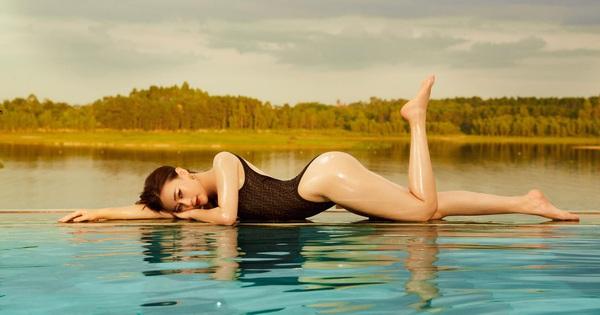 Phương Oanh đăng ảnh bikini táo bạo, khoe cân nặng hiện tại khiến nhiều người bất ngờ
