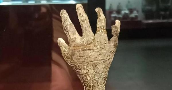 Giải mã bàn tay kỳ quái trong mộ cổ 3.000 năm tuổi: Khai quật hàng chục nghìn ngôi mộ khác cũng không có cái thứ 2!