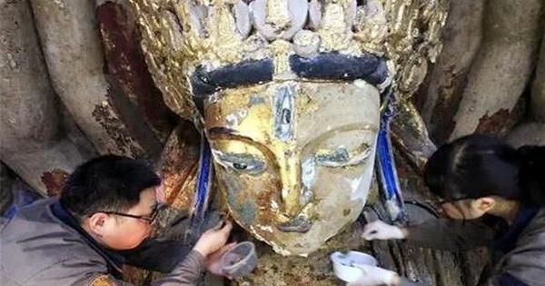 Đang sửa chữa, tượng Phật Bà Quan Âm nghìn tay bỗng nhiên rung lắc dữ dội: Người có mặt 'chết lặng' khi nhìn thấy mật thất bên trong