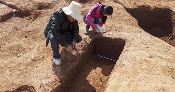 Ngôi mộ 'tồi tàn' rộng 4m2 nhưng chứa kho báu trị giá hơn 3 tỷ NDT: Nguồn gốc 'không sạch sẽ' của chúng khiến chuyên gia ngã ngửa