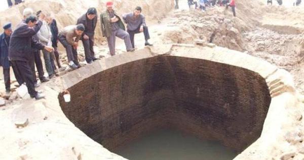 Tìm thấy lăng mộ 'sạch sẽ' dưới đáy sông: Chủ mộ tận tụy vì dân, sao sử sách không thèm nhắc tên?