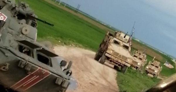Đụng độ căng thẳng ở Syria: Xe bọc thép Mỹ