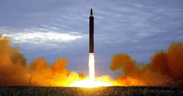 Mắc kẹt giữa Mỹ và Trung Quốc, nhiều nước châu Á tăng tích trữ tên lửa