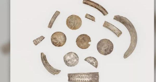 Phát hiện 'heo đất' chứa kho báu của người Viking gần 1.000 năm trước