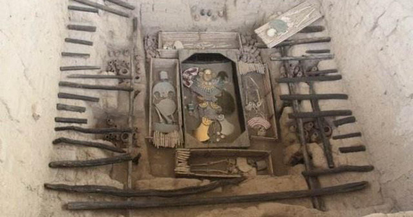 Sau tiếng nổ bất ngờ, kho báu lớn thứ 8 thế giới lộ ra: Nhà khảo cổ hối hận khi nhìn bên trong