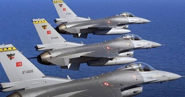 TT Putin ra tín hiệu, Tướng Shoigu phải ngừng 'tấn công' một nhân vật đặc biệt - F-16 Thổ Nhĩ Kỳ mang tên lửa đánh chặn máy bay Nga
