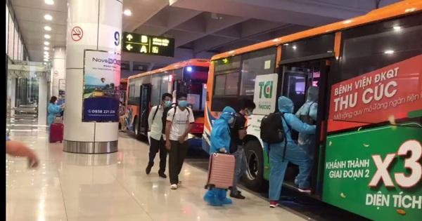 Hà Nội: Dùng xe buýt đưa đón công dân từ sân bay Nội Bài đến các khu cách ly tập trung