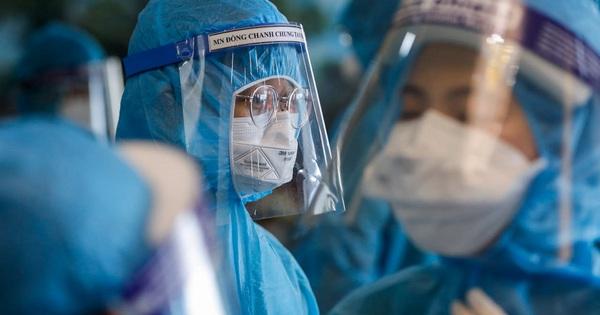 Cục trưởng Cục Quản lý Y Dược Cổ truyền: Cấp 1 triệu viên xuyên tâm liên gửi tới TP HCM để hỗ trợ điều trị Covid-19