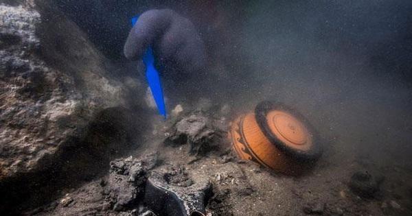 Giải mã xác tàu quân sự cổ đại chìm dưới đáy biển Ai Cập