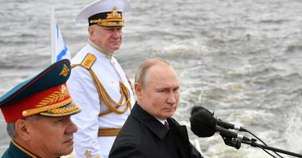 Báo Trung Quốc: Phương Tây chọc giận TT Putin một cách vô ích, Nga đã chứng minh hải quân hùng mạnh