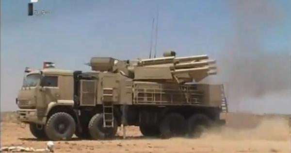 Syria chuẩn bị vũ khí trước nguy cơ các cuộc tấn công mới từ Israel