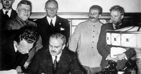 Cung cấp cho Đức quốc xã dầu mỏ, kim loại màu, ngũ cốc, gỗ, bông... Liên Xô được gì?