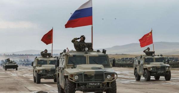 """Ván bài kép của Nga: Ổn định chiến lược với Mỹ, hợp tác """"chưa từng có"""" với Trung Quốc"""