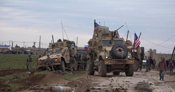 Bất ngờ áp sát căn cứ Nga ở Syria, lực lượng Mỹ chuốc thất bại bẽ bàng