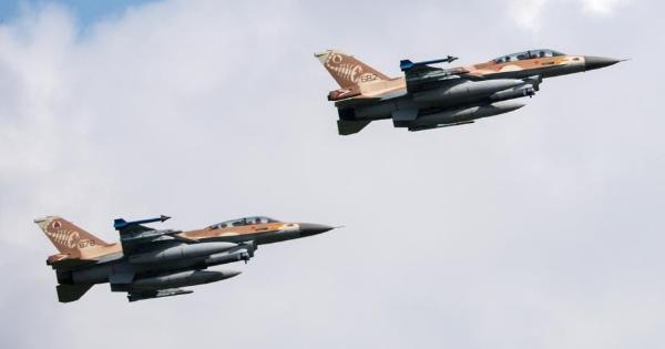 """Bắn hạ tên lửa của Israel, mục tiêu giúp Syria hay """"đòn gió"""" của Nga?"""