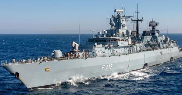 Đức cử khinh hạm tới Thái Bình Dương