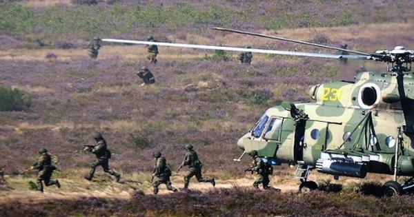 Cận cảnh dàn vũ khí Nga tung hỏa lực nghiền nát mục tiêu trong cuộc tập trận Zapad