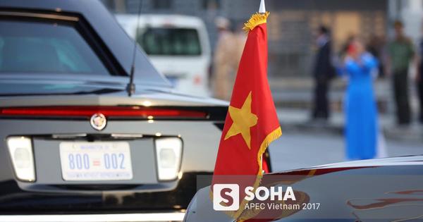 """[ẢNH] Cận cảnh từng chi tiết siêu xe """"Quái thú"""" của Tổng thống Mỹ Donald Trump tại Nội Bài"""