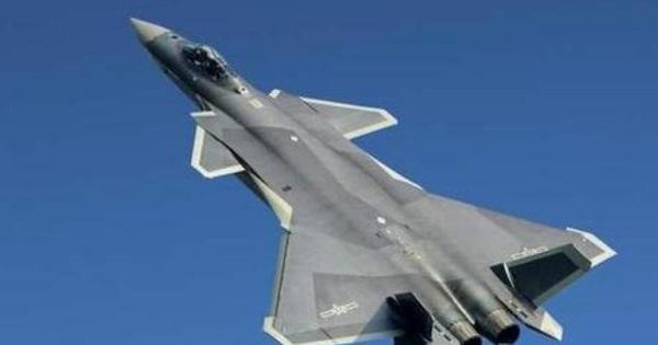 """Trung Quốc tăng tốc sản xuất J-20 để """"chống tiếp cận"""" Mỹ"""