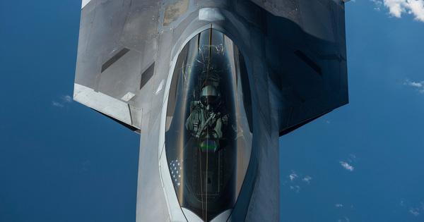 """Dàn máy bay chiến đấu tàng hình """"khủng"""" của Mỹ có đủ sức ngăn cản Triều Tiên?"""