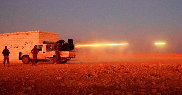 """""""Gậy ông đập lưng ông"""": Vũ khí Mỹ cấp cho đối lập Syria, rơi vào tay IS, quay ra đánh Mỹ!"""