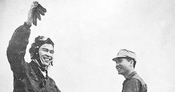 Anh hùng phi công huyền thoại bắn rơi 7 máy bay Mỹ: Kỳ tích chưa biết đi xe đạp đã học lái máy bay
