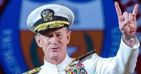 Dân mạng rủ nhau dậy sớm… dọn giường khi xem bài phát biểu của Đô đốc Hải Quân Mỹ