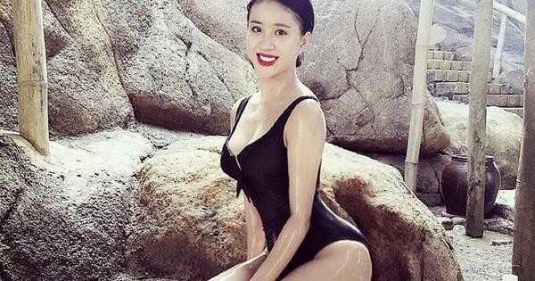 """Rich Kid Việt đọ dáng với bikini, """"kẻ chín người mười"""" chẳng ai kém cạnh"""