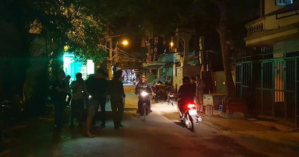 Hà Nội: Người dân kể lại giây phút tài xế Mazda rút súng bắn rồi đánh và lái xe chèn qua nạn nhân