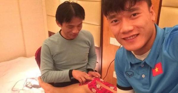 Độc quyền: Bác sĩ đội tuyển U23 lần đầu tiết lộ hình ảnh chăm sóc các 'cầu thủ vàng'