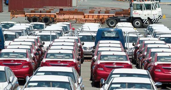 """""""Chính sách bảo hộ sản xuất ô tô trong nước đang quá mạnh tay"""""""