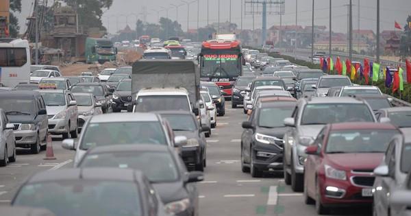 Hà Nội: Mở thêm 2 làn thu phí, đoạn từ Ngọc Hồi đến Km 188 vẫn ùn tắc nghiêm trọng