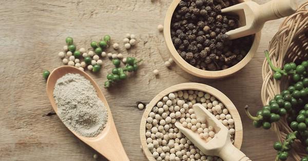 Hãy 'đánh thức' lọ hạt tiêu trắng bị bỏ quên nơi góc bếp với bài thuốc chữa bệnh hữu ích