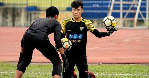 Thủ môn Bùi Tiến Dũng trở lại bắt chính tại AFC Cup