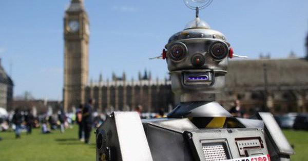 Vì sao cả Stephen Hawking và Bill Gates đều sợ robot và trí tuệ nhân tạo, chỉ muốn dừng phát triển nó?
