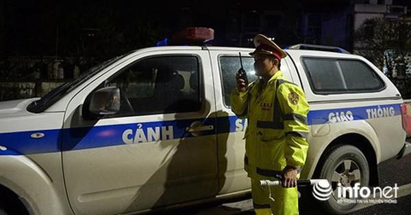 Xe cấp cứu mắc kẹt trên cao tốc Pháp Vân-Cầu Giẽ, CSGT chở bé sơ sinh đi cấp cứu