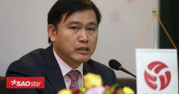 'Bầu' Tú giỏi thế nào để có thể 'ôm' nhiều vị trí lãnh đạo của bóng đá Việt Nam ?