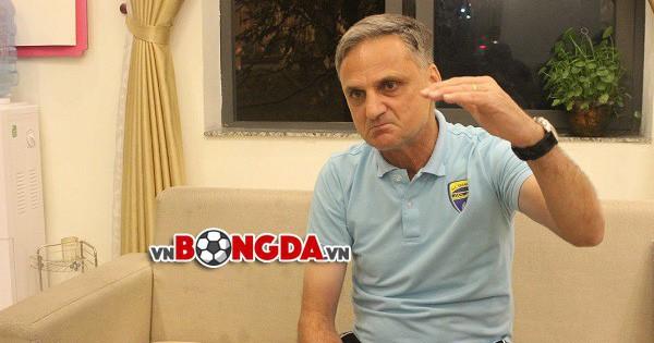 """Marian Mihail: """"Ai hay nói về chiến thuật và mô hình đều không hiểu gì về bóng đá"""""""