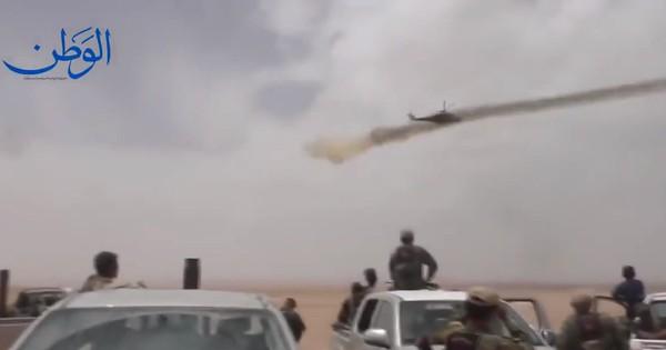 """""""Thợ săn đêm"""" Nga khạc lửa nghiền nát quân thánh chiến Syria"""
